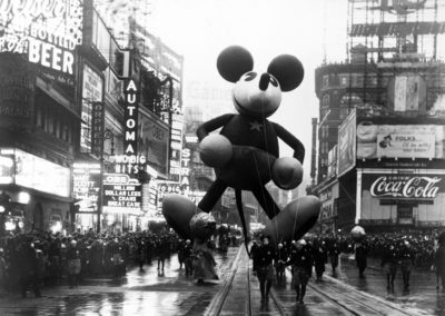 10 Offbeat Facts About The Macy's Thanksgiving Parade